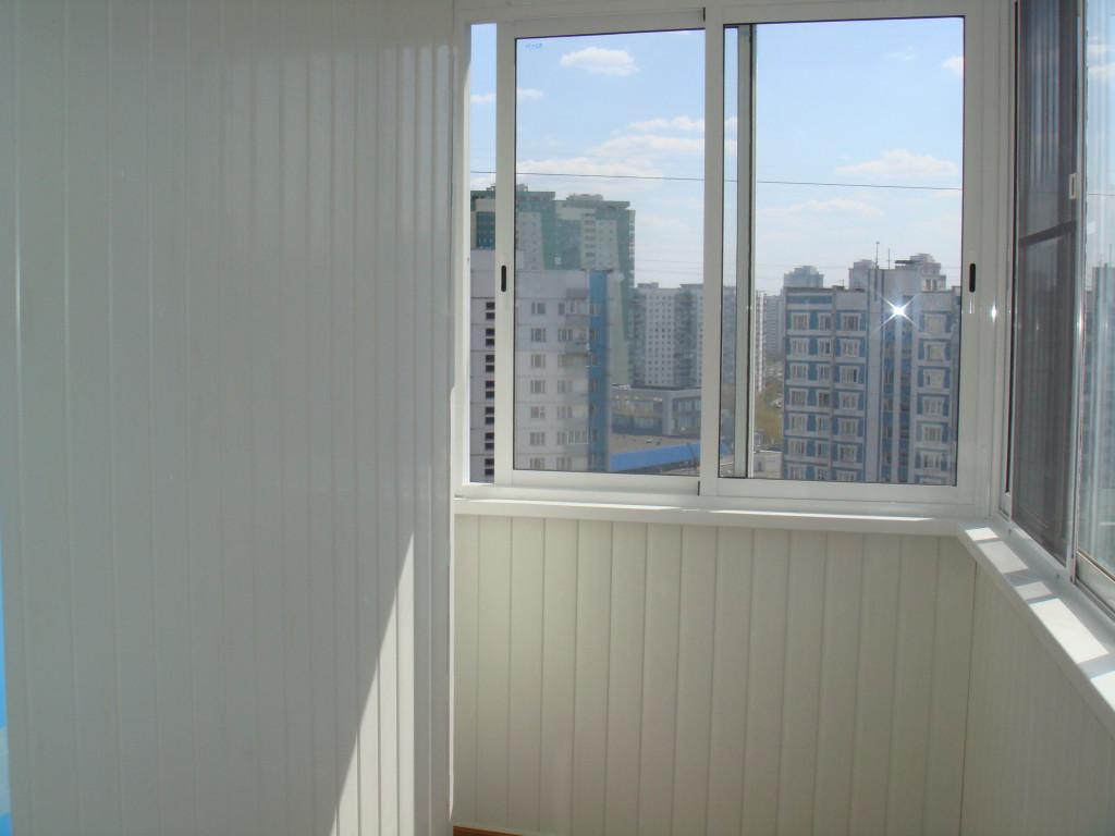 Холодное алюминиевое остекление балконов..